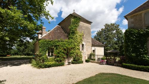 Le Pigeonnier Colbert : Guest accommodation near Bleigny-le-Carreau