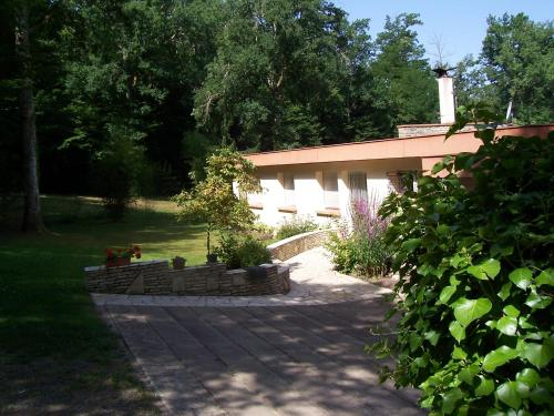 Les Chênes : Bed and Breakfast near Fraisse