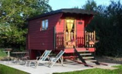Les Roulottes des Songes de l'Authie : Bed and Breakfast near Maison-Ponthieu