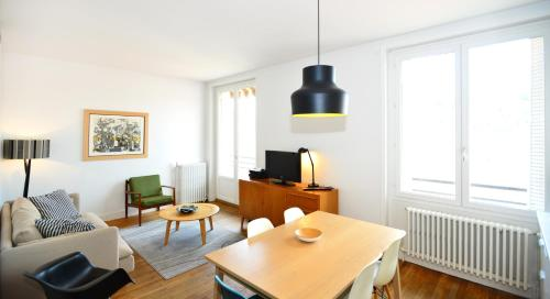 Appart' Montcharmont : Apartment near Lyon