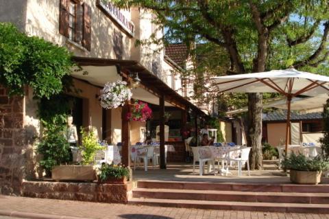 Auberge Aux Portes de Conques : Hotel near Pruines