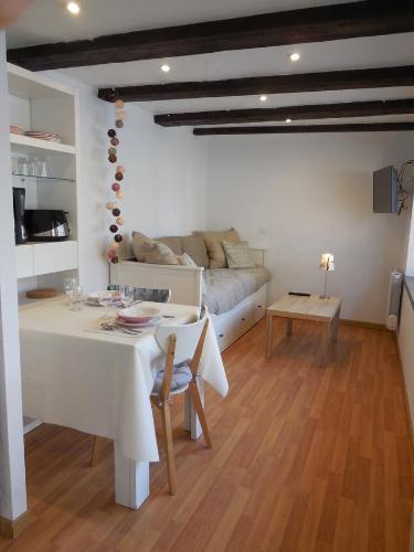 Cerise & Coquelicot : Apartment near Ebersheim