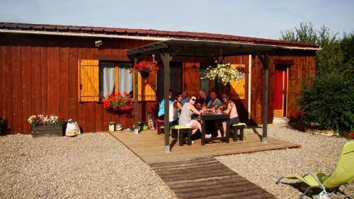 Le Fontariol : Guest accommodation near Neuilly-le-Réal