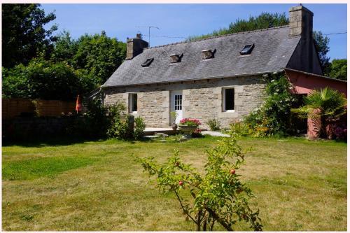 Maison de convenant : Guest accommodation near Rospez