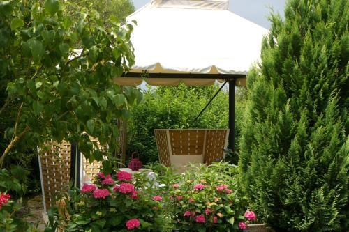 Gîte- Le Temps du Bonheur : Guest accommodation near Lacanche