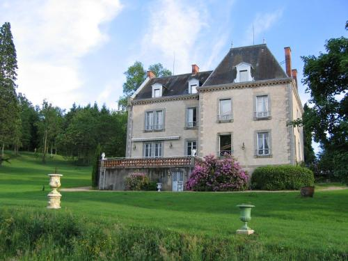 Domaine de Gaudon : Bed and Breakfast near Estandeuil