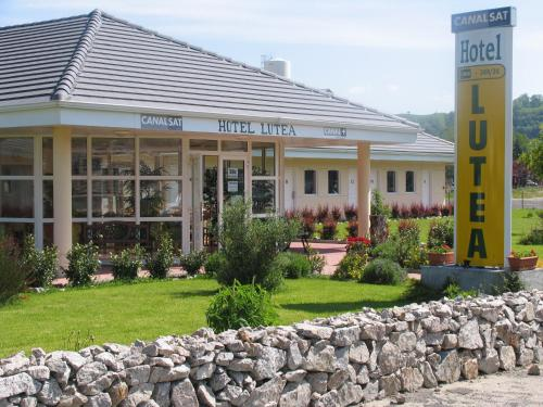 Lutea : Hotel near Saint-Amandin