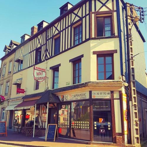 Le Normandie : Hotel near Vieux-Bourg