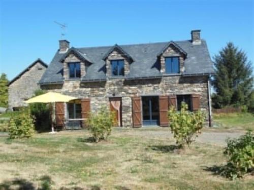 Gite Les Ruchettes : Guest accommodation near Lusanger