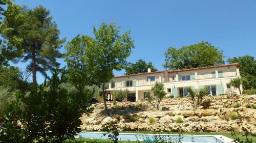 Le Vallon des Oliviers : Bed and Breakfast near Montauroux