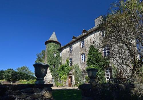 Château de Taussac : Bed and Breakfast near Lieutadès
