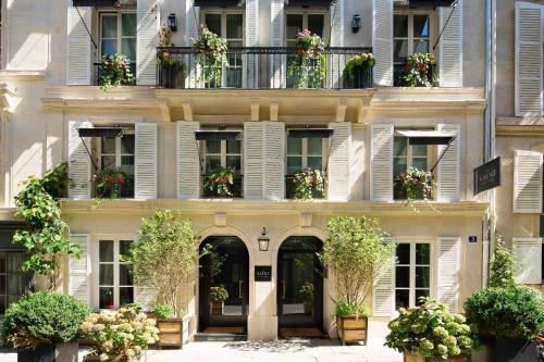 Le Saint Hotel Paris : Hotel near Paris 7e Arrondissement