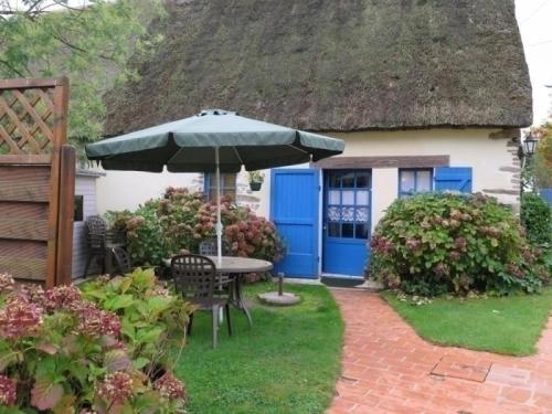 Gite Saint 5 : Guest accommodation near Saint-Lyphard