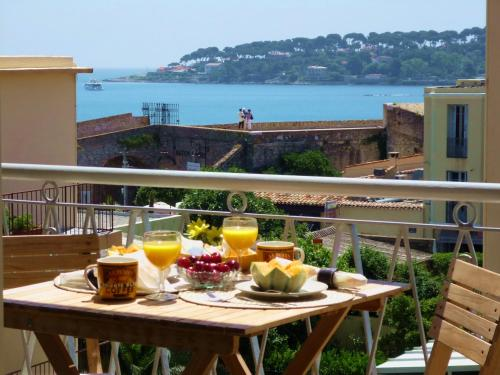 Cap View : Apartment near Antibes