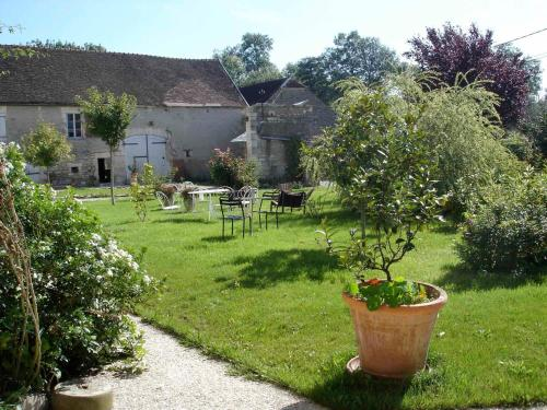 Les Champs Mélisey : Guest accommodation near Junay