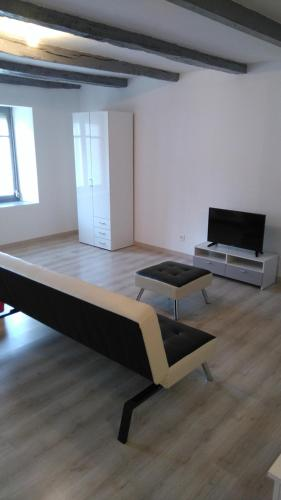 Studio Sylvain : Apartment near Rolampont