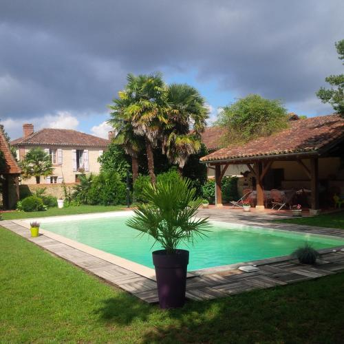 Gite Camous : Guest accommodation near Clèdes