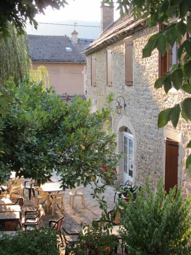 Hôtel Paradis : Hotel near Saint-Bauzile