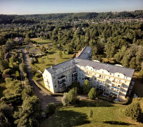 Residence Hotel Les Ducs De Chevreuse : Guest accommodation near Pecqueuse
