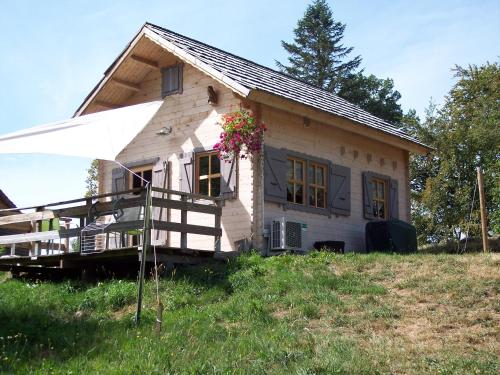 Chalet de l'Artense : Guest accommodation near Saint-Donat