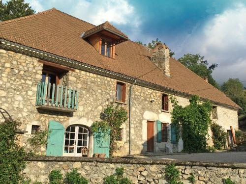 La Ferme de Marthe : Guest accommodation near Mayres-Savel