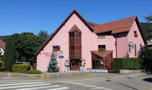 Hotel Restaurant Aux Sapins : Hotel near Bréchaumont