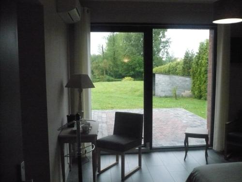 La Chaumiere : Bed and Breakfast near Amfroipret
