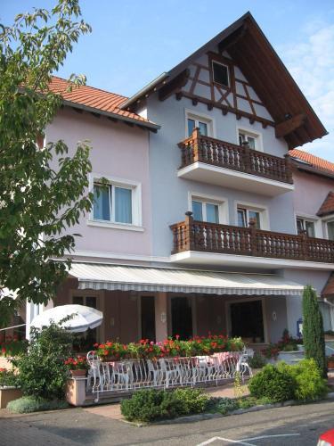 Hôtel-Restaurant Oberlé : Hotel near Rottelsheim