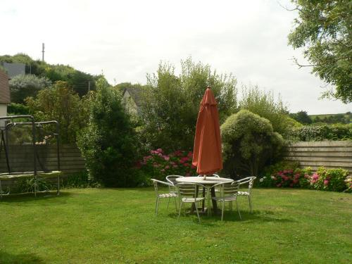 Les Costils : Guest accommodation near Saint-Laurent-sur-Mer