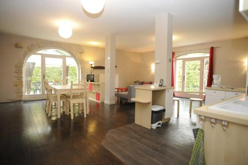 Appartement La Poulotte : Apartment near Couchey