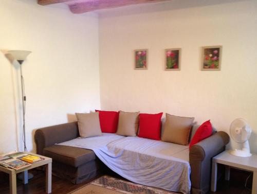 Little Cottage France : Guest accommodation near Saint-Romain