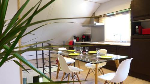 Cosy Loft Milly : Guest accommodation near Noisy-sur-École