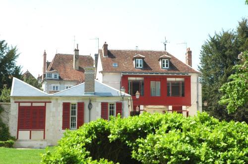 La Maison des Randonneurs : Hostel near Héry