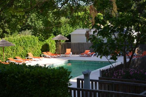 Camping les Fouguières : Guest accommodation near Carcès