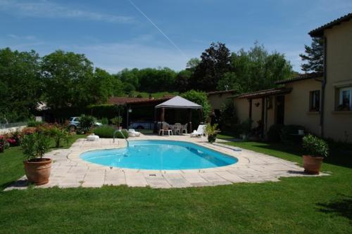 Marievalerianne : Guest accommodation near Saint-Sandoux