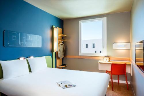 ibis budget Saint Quentin Yvelines - Vélodrome : Hotel near Montigny-le-Bretonneux