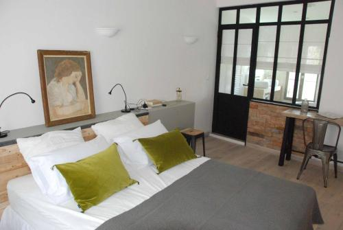 Les Maisons d Hortense : Bed and Breakfast near Saint-Rémy-de-Provence