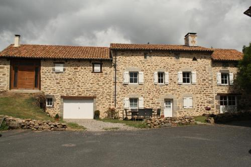 Le Relais de Garabit : Guest accommodation near Anterrieux