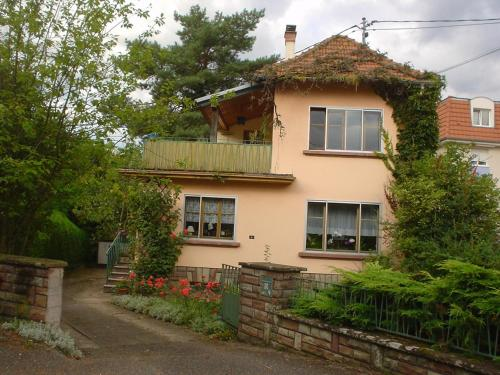 Entre musique et fleurs : Bed and Breakfast near Menchhoffen