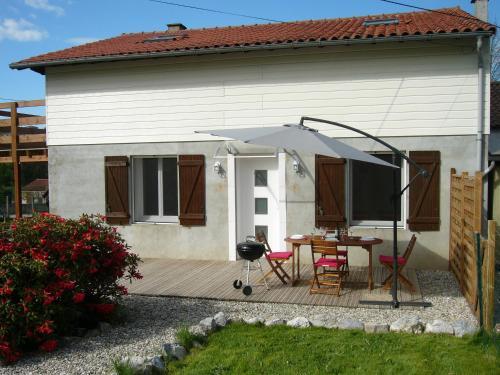 Les Trois Lions : Apartment near Rieux-de-Pelleport