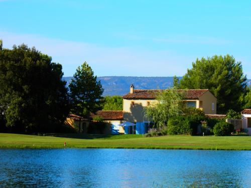 Mas de l'Epervier : Guest accommodation near Aurons