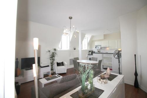 Sejourneur - Clemenceau : Apartment near Bordeaux