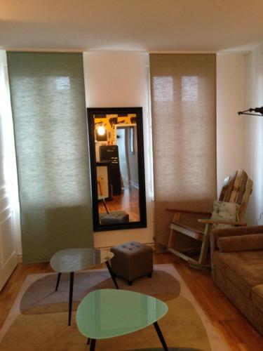 Le petit Paris : Apartment near Terny-Sorny