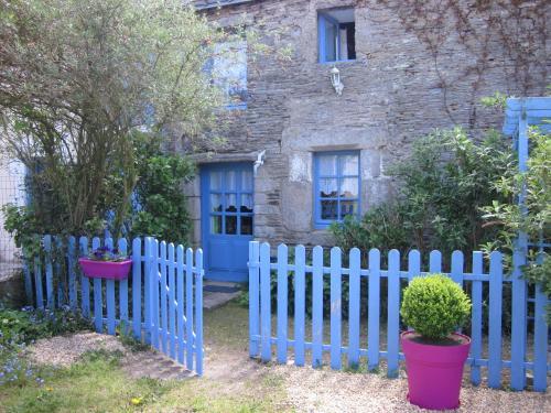 Gîte Les Lutins Bleus : Guest accommodation near Tréhorenteuc