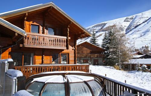 Odalys Chalet le Soleil Levant : Guest accommodation near Saint-Christophe-en-Oisans