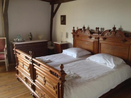Troubadour : Bed and Breakfast near Montigny-sur-Crécy