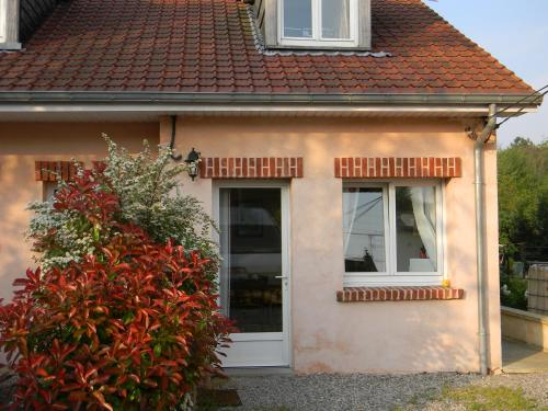 Gîte Les Lilas : Bed and Breakfast near Ham-en-Artois