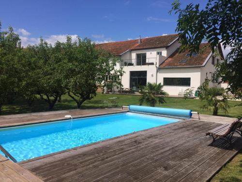 B&B La Laiterie de Fontpatour : Bed and Breakfast near Saint-Ouen-d'Aunis