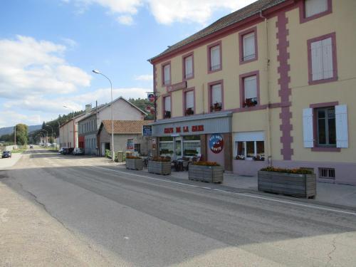 Aux Amis de la Route : Hotel near Épinal