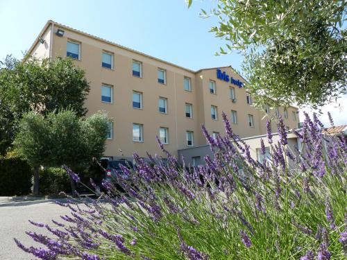 Ibis Budget Marseille Valentine : Hotel near Plan-de-Cuques